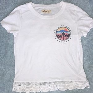 Hollister graphic tee with scalloped detail